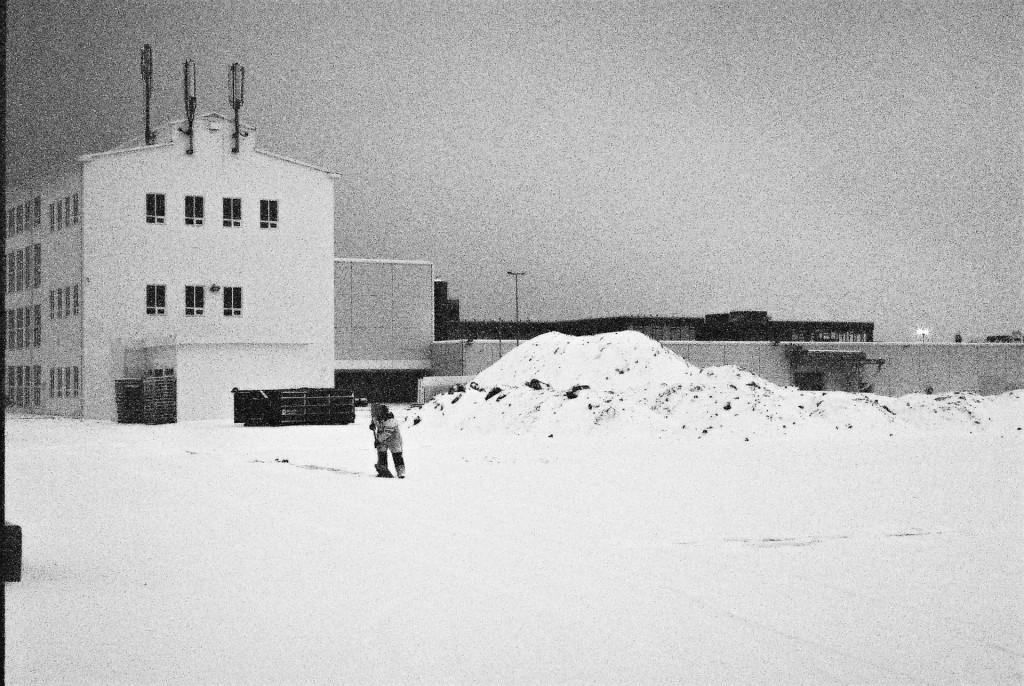 Shovelling Snow, Reykjavík 2015
